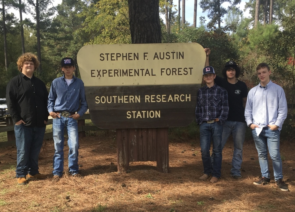 FFA students at SFA Experimental Forest